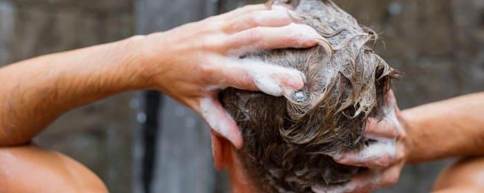 بعد از کاشت مو به آرامی شامپو بزنید