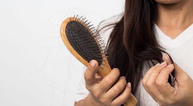 علائم ریزش موی ارثی