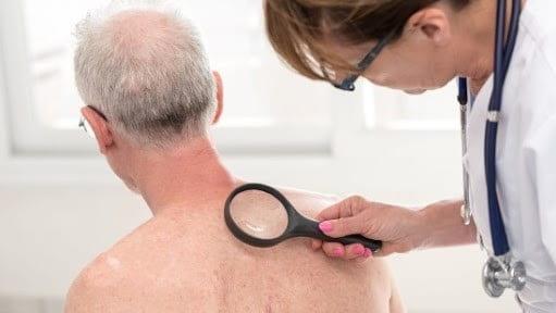 مطلع شوید که بیمه شما برای مراجعه به متخصص پوست چه چیزی را پوشش میدهد